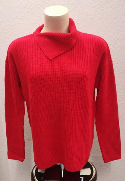 Pullover mit seitlichgeschlitzter Rollkragen
